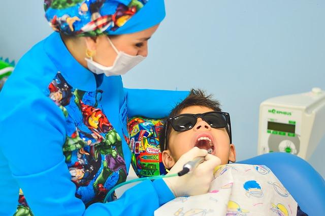 Co zrobić, aby dziecko nie bało się dentysty?