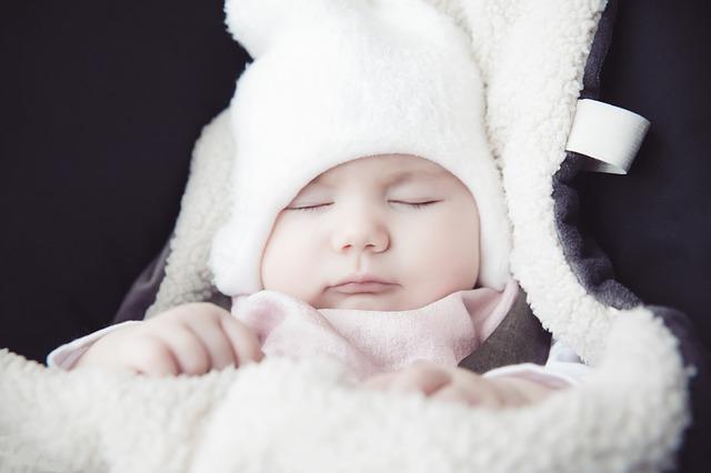 dziecko opatulone na zimę