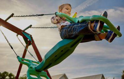 jak-urzadzic-plac-zabaw-dla-dzieci-w-przydomowym-ogrodzie