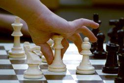 jak-zachecic-dzieci-do-gry-w-szachy-popularne-sposoby