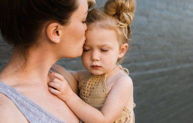 jakie-znaczenie-w-zyciu-dziecka-ma-kochajaca-matka